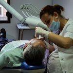 Desarrollo de las prácticas con pacientes reales, en el curso teórico/práctico de periodoncia 2017
