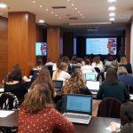 imagen del desarrollo de las clases de preparación a oposiciones de higienistas dentales en la Comunidad Valenciana, con el Dr. Javier Silvestre, 2018-2019.
