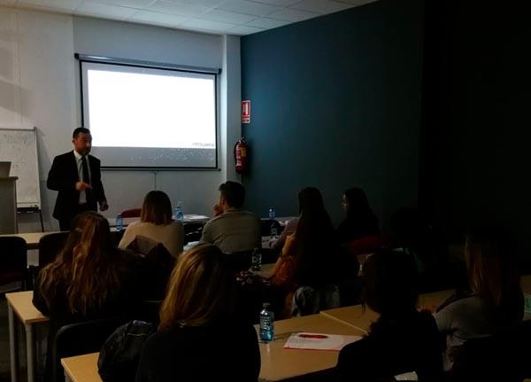 Momento del curso de Fotografía Digital Dental, impartido por Pere Roselló, 2018.