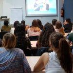 Oral-B durante su charla a los alumnos de higiene de la Comunidad Valenciana, en la sede colegial, 2018.