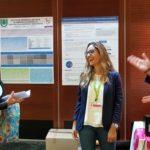 La colegiada Silvia Martínez García (quien ganó), en el momento de la defensa de su póster al Premio Científico, del XXX Congreso de HIDES, 2018